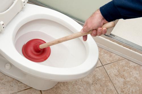 how-to-repair-toilet-bowl-choking